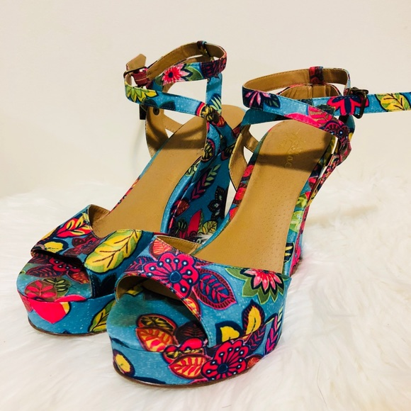 Colorful Poshmark ShoesZodiac 8 Wedges Size Womens BorCWedx